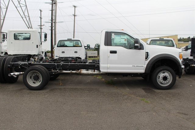 New 2017 Ford Super Duty F-550 DRW XL 2WD Reg Cab 169 WB 84 CA
