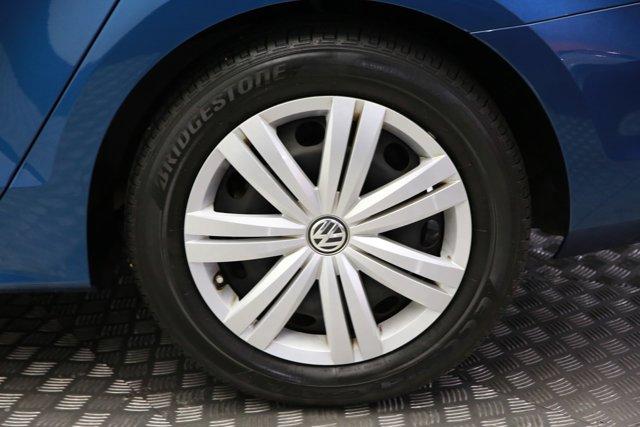 2017 Volkswagen Jetta for sale 124242 7