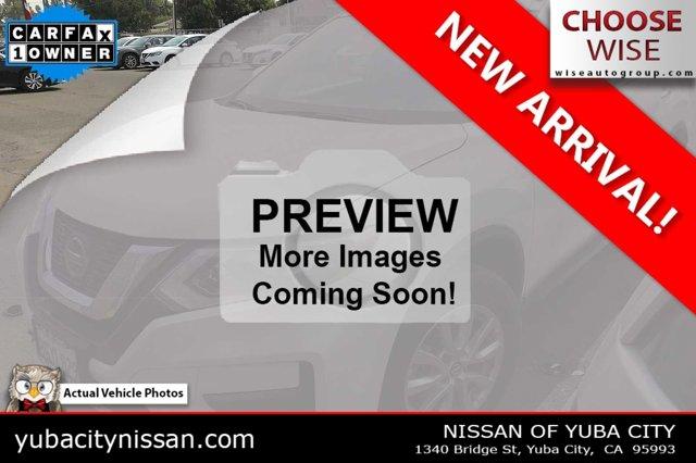 2019 Nissan Rogue SV FWD SV Regular Unleaded I-4 2.5 L/152 [1]