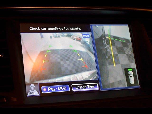 2015 INFINITI QX80 Driver Assist 8 Passenger AWD Navigation 30