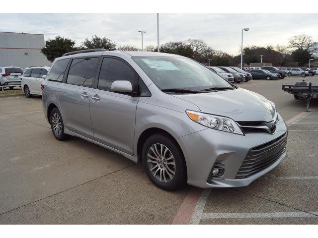 New 2020 Toyota Sienna in Hurst, TX