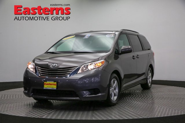 2017 Toyota Sienna for sale 124128 0