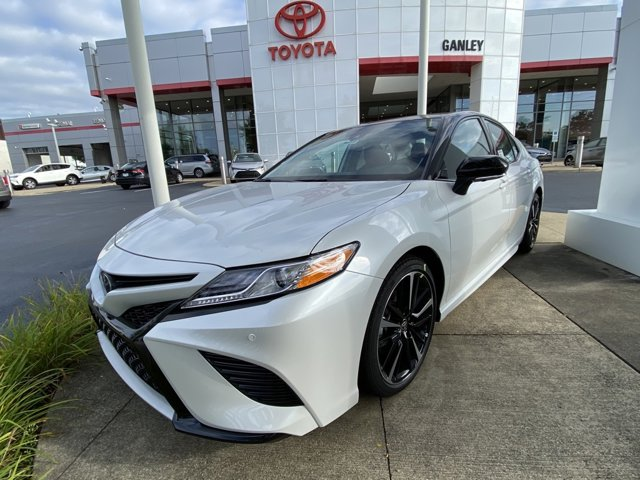 New 2020 Toyota Camry in Akron, OH