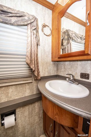 Used 2007 COACHMEN SPORTSCOACH in St. Louis, MO
