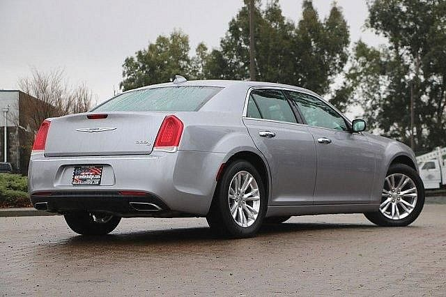 2016 Chrysler 300 300C 2