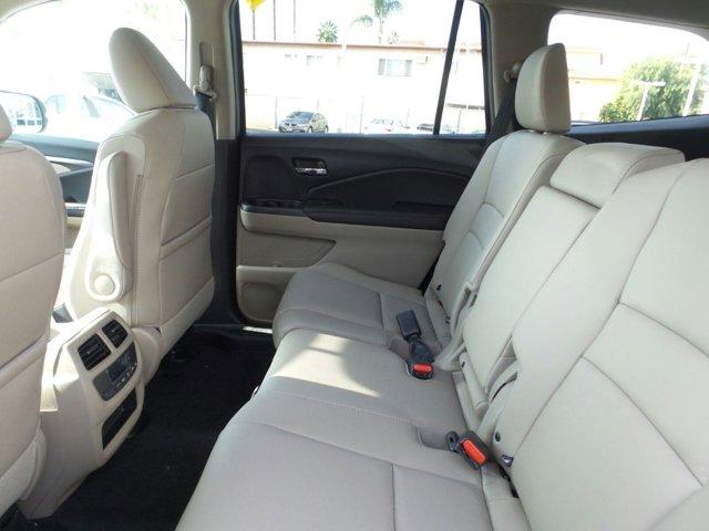 New 2017 Honda Pilot EX-L w-Navigation 2WD