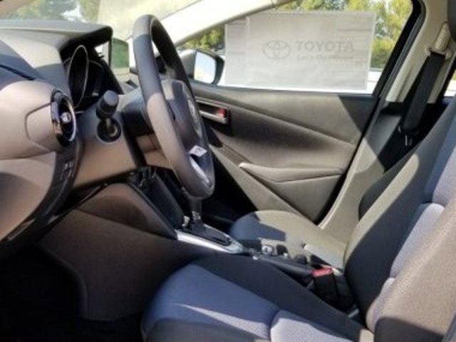 New 2020 Toyota Yaris Hatchback LE Auto