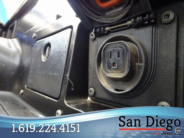 Used 2011 Toyota Tacoma 2WD Double V6 AT PreRunner