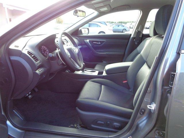 New 2017 Nissan Altima 2.5 SR Sedan