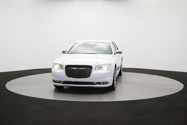 2019 Chrysler 300 122416 48