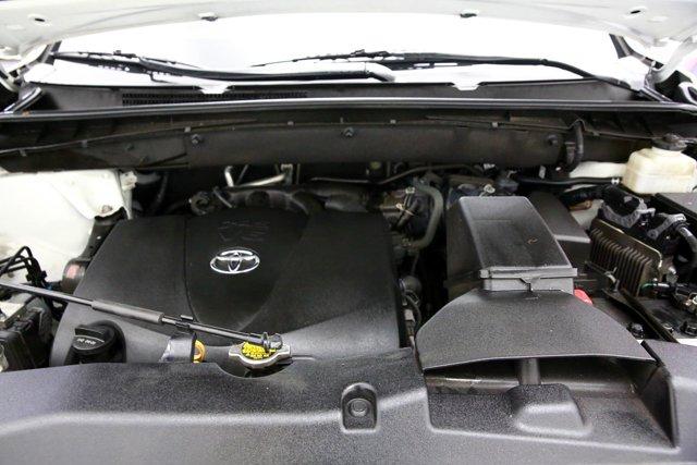 2017 Toyota Highlander for sale 124043 6