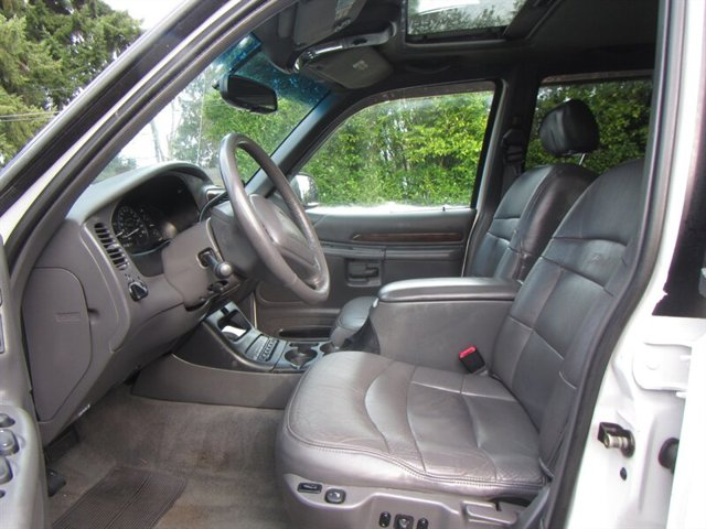 Used 2000 Ford Explorer 4dr 112 WB Limited AWD