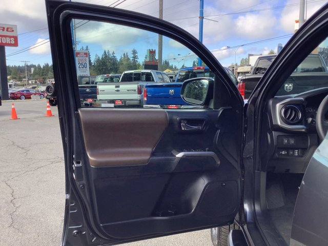 Used 2021 Toyota Tacoma 4WD Limited Double Cab 5' Bed V6 AT