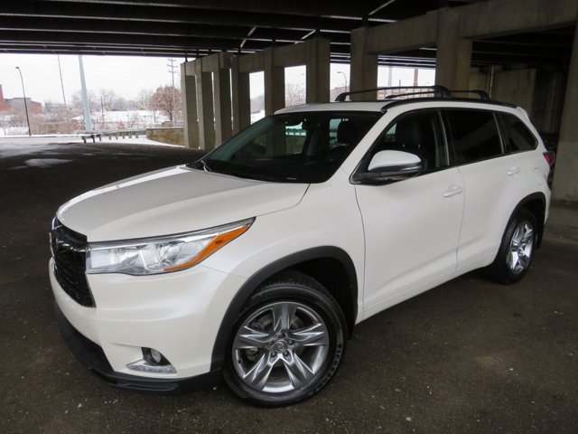 Used 2015 Toyota Highlander in Akron, OH