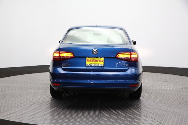 2017 Volkswagen Jetta for sale 124242 5