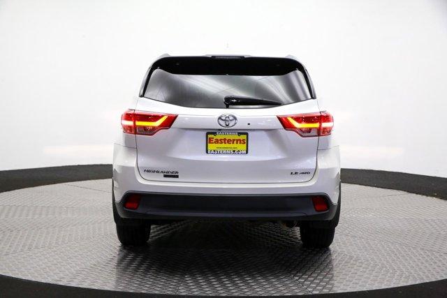 2017 Toyota Highlander for sale 124043 5