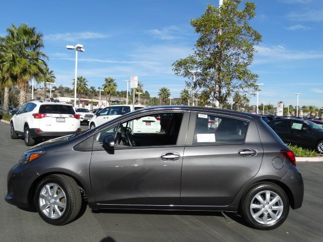 New 2017 Toyota Yaris 5-Door LE Automatic