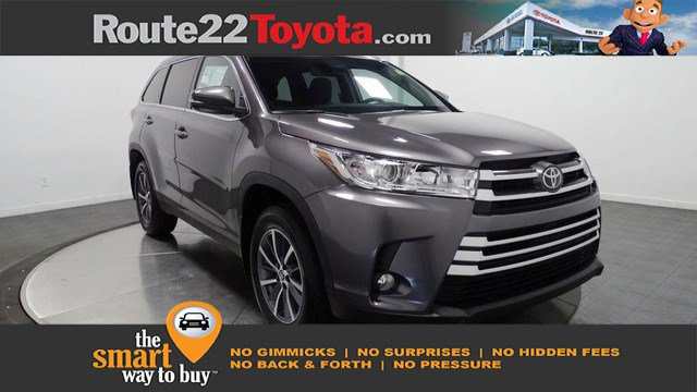New 2019 Toyota Highlander in Hillside, NJ