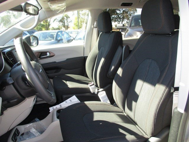 New 2017 Chrysler Pacifica Touring 4dr Wgn