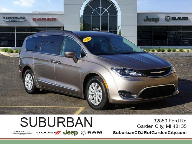 2017 Chrysler Town & Country Touring