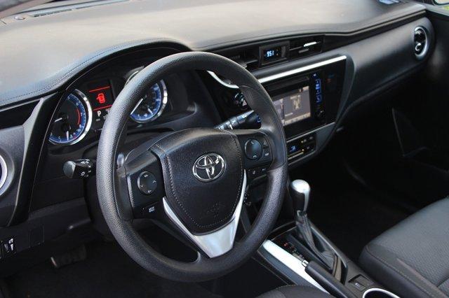 2018 Toyota Corolla LE 11