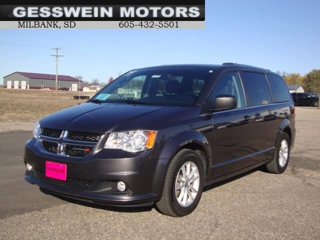 The 2019 Dodge Grand Caravan SXT photos
