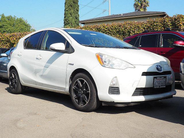 2012 Toyota Prius c 1  Gas/Electric I4 1.5L/ [2]