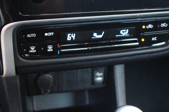 2018 Toyota Corolla LE 25