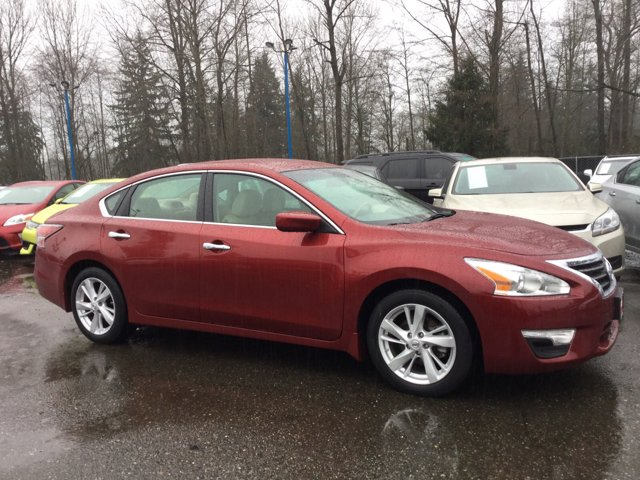 Used 2014 Nissan Altima 4dr Sdn I4 2.5 SV