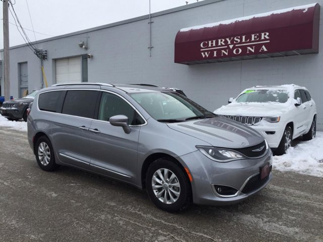 2019 Chrysler Town & Country Touring