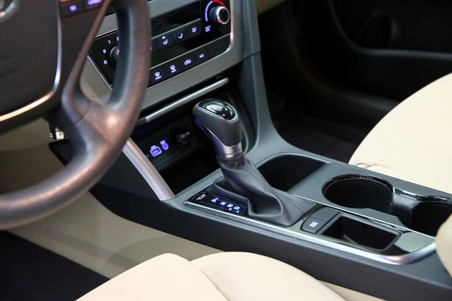 2017 Hyundai Sonata for sale 122605 11