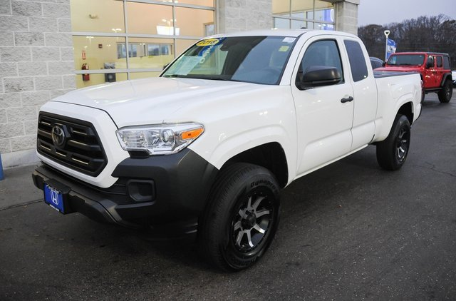 Used 2018 Toyota Tacoma in Akron, OH