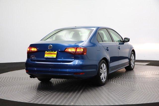 2017 Volkswagen Jetta for sale 124242 4