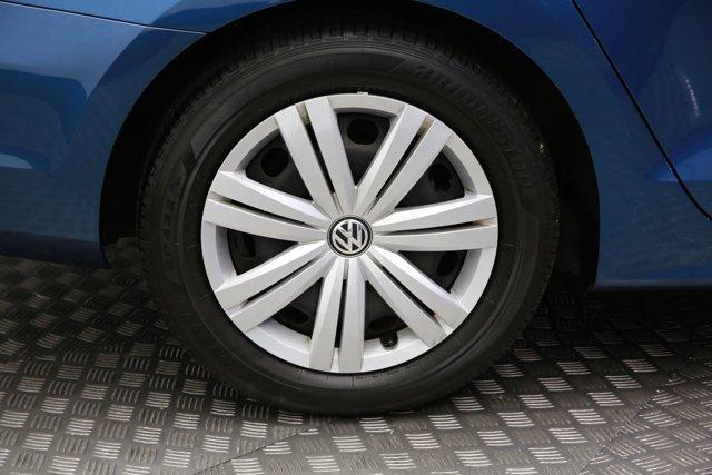 2017 Volkswagen Jetta for sale 124242 26