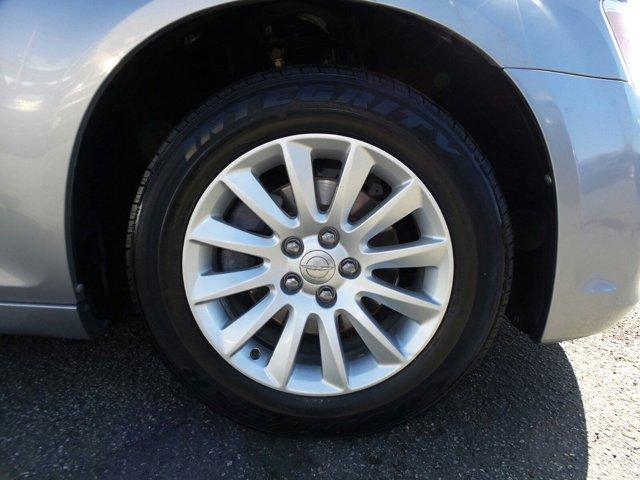 2011 Chrysler 300 4D Sedan V6 Flex Fuel 3.6L