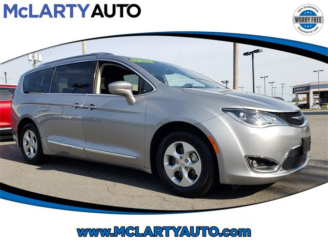 Used 2017 Chrysler Pacifica in , AR