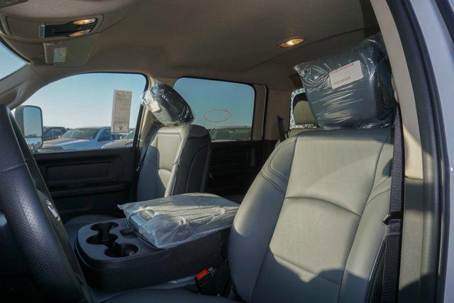 New 2019 Ram 3500 Chassis Cab Tradesman 4WD Crew Cab 60 CA 172.4 WB