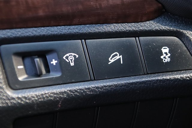 Used 2013 Hyundai Santa Fe FWD 4dr 2.0T Sport w-Saddle Int