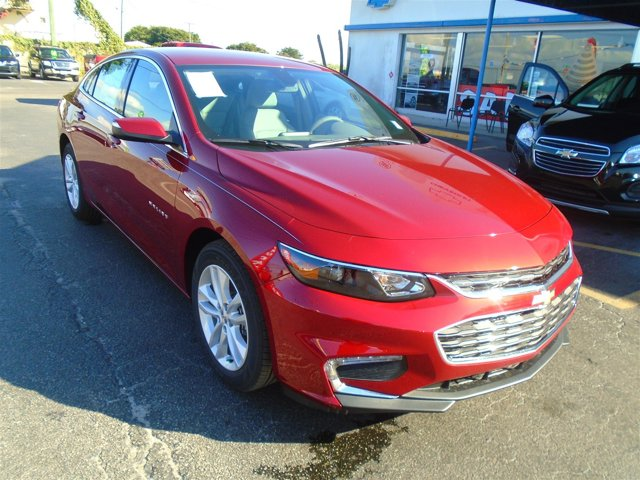 New 2017 Chevrolet Malibu in Belle Glade, FL