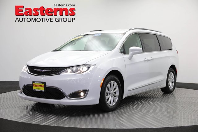 2019 Chrysler Pacifica Touring L Mini-van, Passenger
