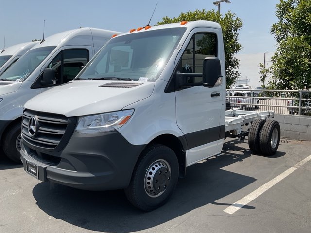 """2021 Mercedes-Benz Sprinter Cab Chassis Cab Chassis 144 WB 3500XD Standard Roof I4 144"""" Intercooled Turbo Diesel I-4 2.0 L [15]"""