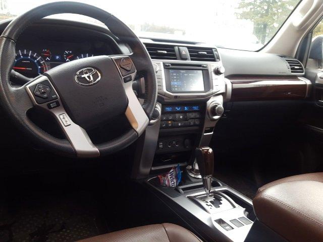 2016 Toyota 4Runner SR5 13