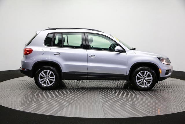 2017 Volkswagen Tiguan for sale 122838 3
