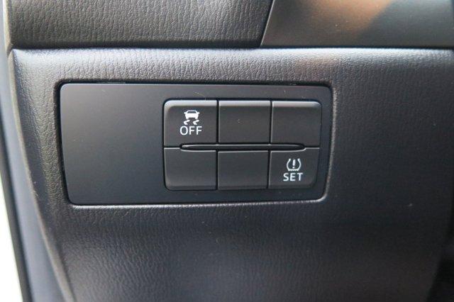 2017 Mazda Mazda3 4-Door Sport Auto