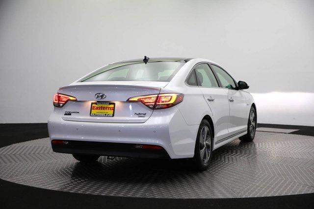2017 Hyundai Sonata Hybrid for sale 125172 4
