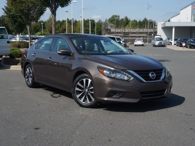 2017 Nissan Altima 2.5 SL 2.5 SL Sedan Regular Unleaded I-4 2.5 L/152 [9]
