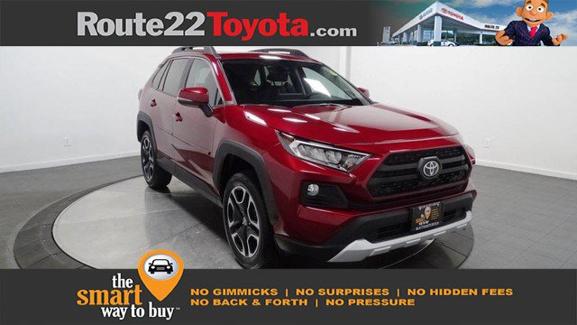 New 2019 Toyota RAV4 in Hillside, NJ
