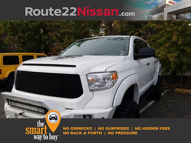 2017 Toyota Tundra 4WD Limited Limited CrewMax 5.5′ Bed 5.7L Regular Unleaded V-8 5.7 L/346 [17]