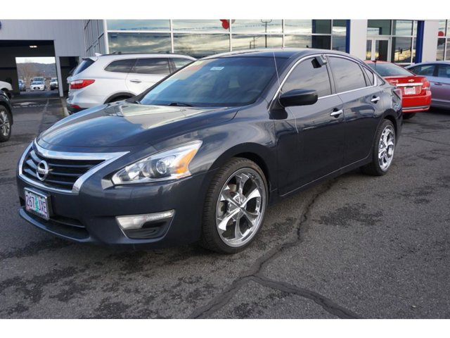 Used 2015 Nissan Altima in Medford, OR