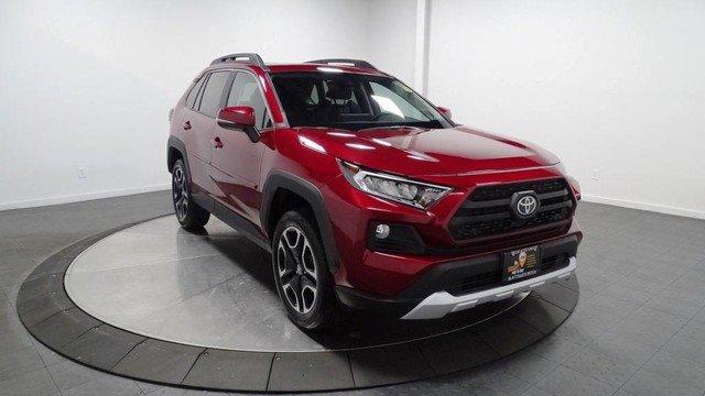 New 2019 Toyota RAV4 in Hillside, NJ